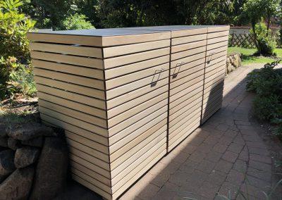 Montage einer Mülltonnenbox aus Eukalyptus