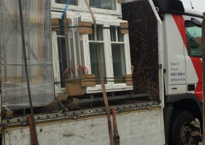 Anlieferung Fenster Hausscheibe
